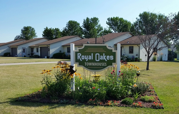 Royal Oakes Apartments